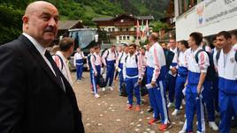 Сегодня. Нойштифт. Станислав ЧЕРЧЕСОВ и сборная России прибыли в Австрию.