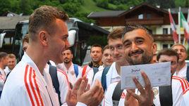 День России в Альпах. Сборную встретили в Нойштифте