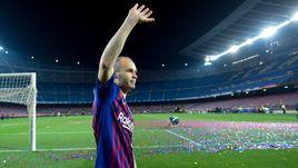 Воскресенье. Барселона. Прощание Андреса ИНЬЕСТЫ с болельщиками и командой.