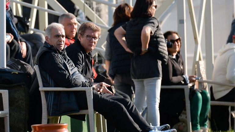 Андрей РУДАКОВ (в центре) и Гурам АДЖОЕВ (слева). Фото arsenaltula.ru