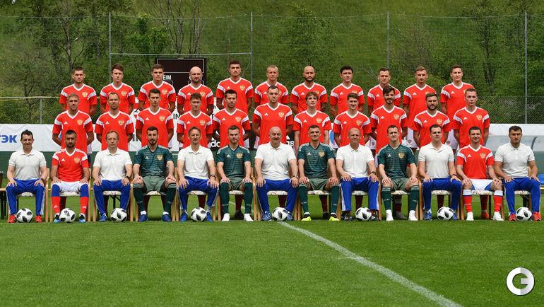 Кто сыграет в центре поля сборной России?