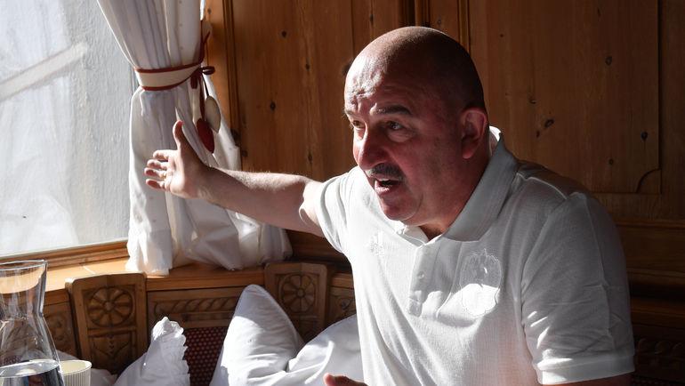 "Станислав ЧЕРЧЕСОВ на встрече с журналистами. Фото Александр ФЕДОРОВ, ""СЭ"""