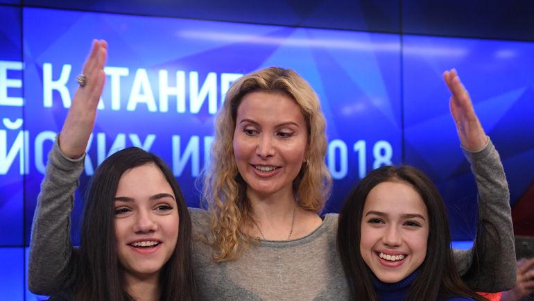 """Евгения МЕДВЕДЕВА (слевА), Этери ТУТБЕРИДЗЕ (в центре) и Алина ЗАГИТОВА. Фото Александр ФЕДОРОВ, """"СЭ"""""""