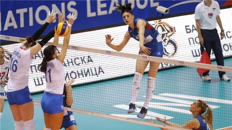 Вторник. Кралево. Россия - Сербия - 0:3. Россиянки не смогли остановить реальных хозяек площадки. Фото fivb.com