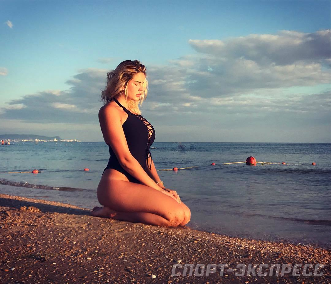 Selfie Evgeniya Podberezkina naked (29 photo), Pussy, Sideboobs, Selfie, cleavage 2018