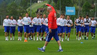 Главный тренер сборной России Станислав ЧЕРЧЕСОВ сделал свой выбор: теперь мы знаем имена 23 футболистов, которым предстоит биться за честь страны на ЧМ-2018.