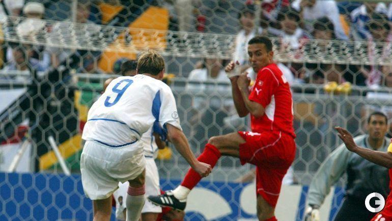 5 июня 2002 года. Кобе. Россия - Тунис - 2:0. Егор ТИТОВ открывает счет в матче.