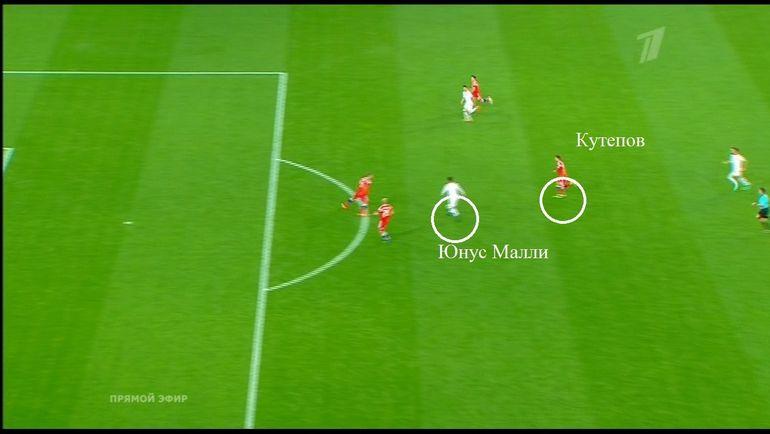 Финальная стадия голевой атаки сборной Турции.
