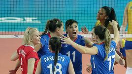 Четверг. Цзянмэн. Россия - Бразилия - 2:3. Екатерина ЛЮБУШКИНА (№11) и ее партнеры по команде не удержали победу в принципиальном матче.