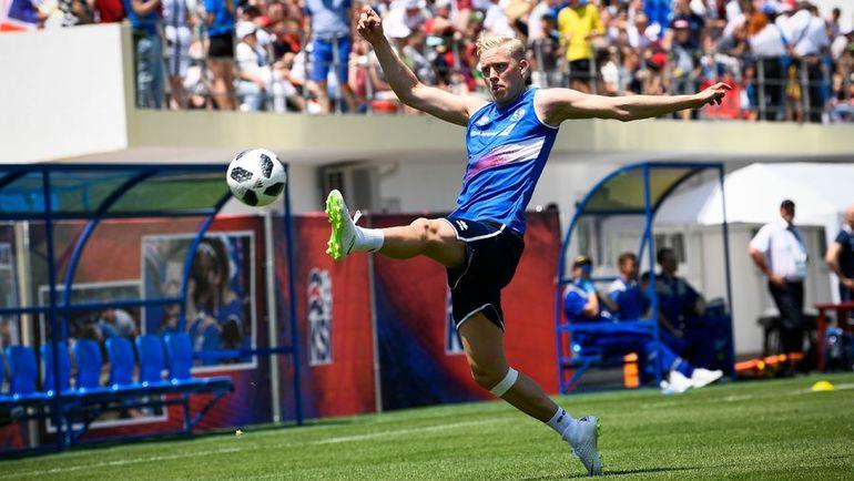 Хердур МАГНУССОН на тренировке сборной Исландии. Фото AFP
