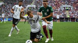 Воскресенье. Москва. Лужники. Германия - Мексика - 0:1. Томас МЮЛЛЕР (№13) и его команда оступились на старте ЧМ-2018.