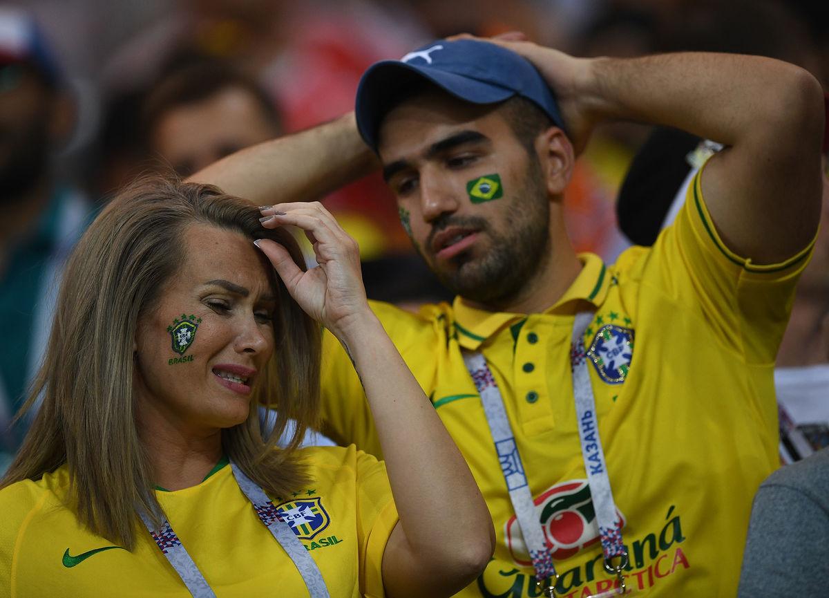 Парень лупит бразильскую телку