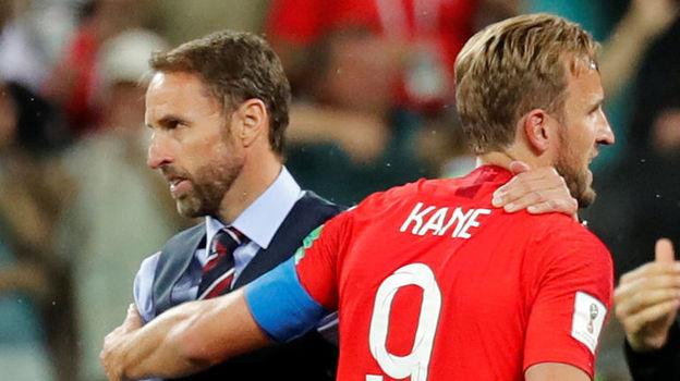 Понедельник. Волгоград. Тунис - Англия - 1:2. Харри КЕЙН (справа) и главный тренер сборной Англии Гарет САУТГЕЙТ. Фото Reuters
