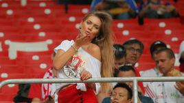 Голые красивые болельщицы футбола — pic 14