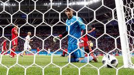 Среда. Казань. Иран - Испания - 0:1. Только что Диегу КОСТА забил победный гол.