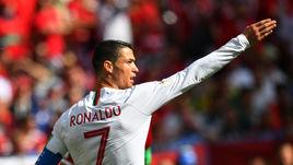 КРИШТИАНУ РОНАЛДУ - пока настоящий лидер сборной Португалии.