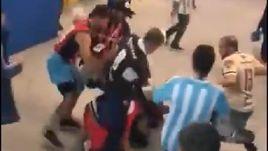 Аргентинские болельщики избили хорвата во время матча ЧМ-2018.