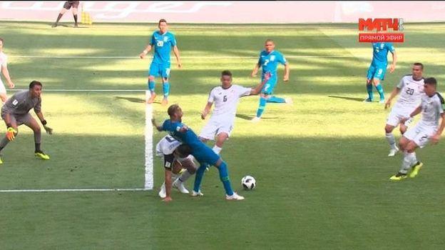 78-я минута матча Бразилия - Коста-Рика.
