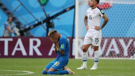 Сегодня. Санкт-Петербург. Бразилия – Коста-Рика – 2:0. Эмоции НЕЙМАРА (№ 10) после финального свистка.