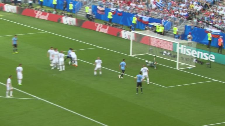 Уругвай - Россия: первый гол.