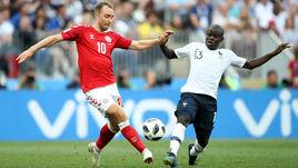 Вторник. Москва. Дания - Франция - 0:0. Кристиан ЭРИКСЕН (слева) против Нголо КАНТЕ.