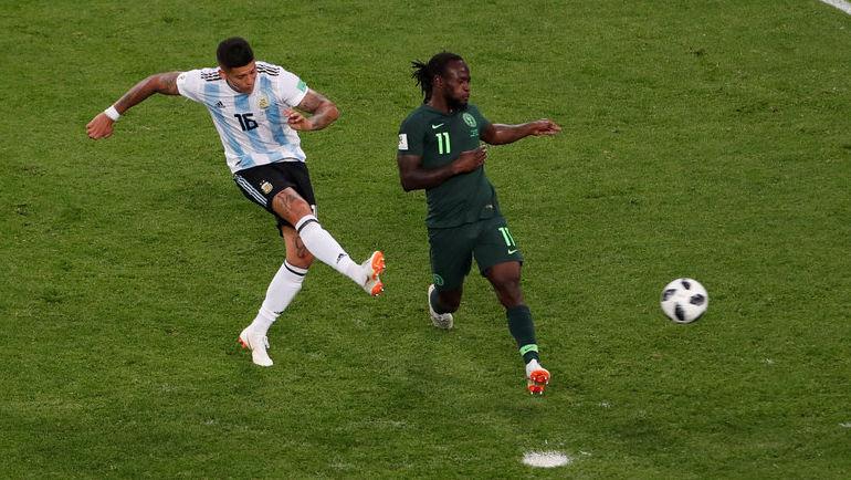 Вторник. Санкт-Петербург. Нигерия - Аргентина - 1:2. 86-я минута. Маркос РОХО (№ 16) забивает победный гол. Фото AFP