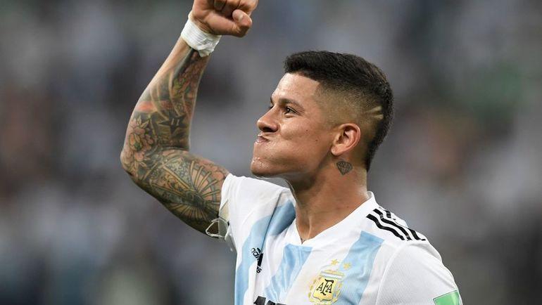 Вторник. Санкт-Петербург. Нигерия - Аргентина - 1:2. Автор победного гола Маркос РОХО. Фото AFP