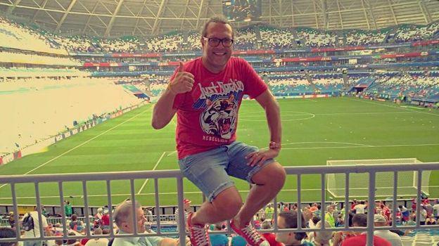 Известный спартаковский болельщик Николай Сурин, известный как Коля Угодник, посетит 25 матчей чемпионата мира.