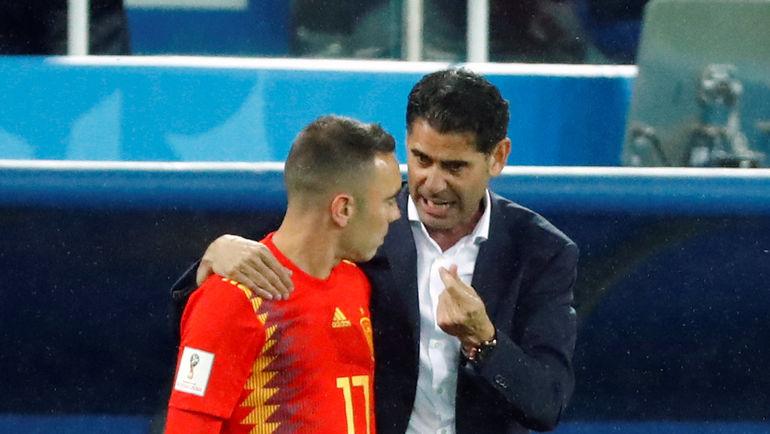 25 июня. Калининград. Испания - Марокко - 2:2. Яго ЯСПАС (слева) и Фернандо ЙЕРРО. Фото REUTERS