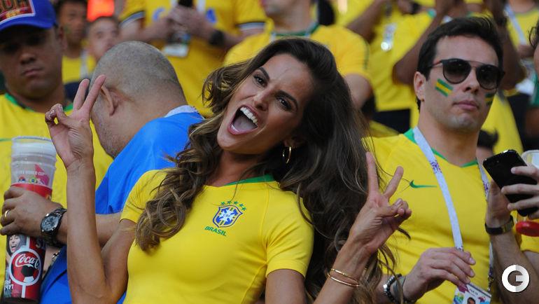Среда. Москва. Известная бразильская супермодель Изабель ГУЛАР перед игрой Бразилия - Сербия.
