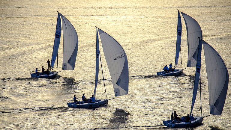 Регата Wednesday Night Race в Royal Yacht Club.