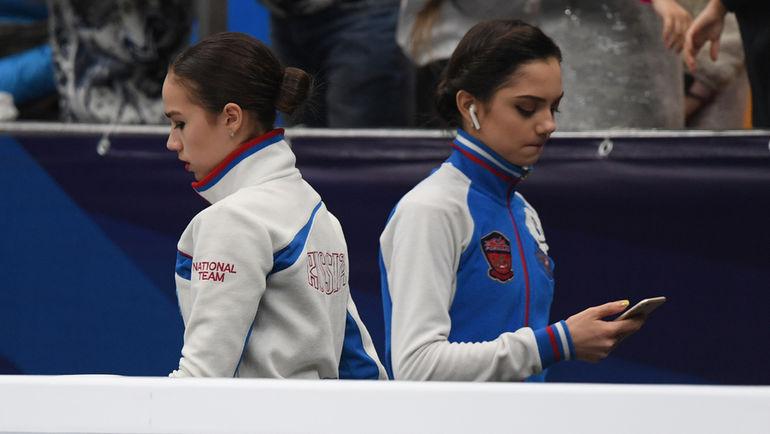 Евгения МЕДВЕДЕВА (справа) и Алина ЗАГИТОВА. Фото Александр ФЕДОРОВ, «СЭ»