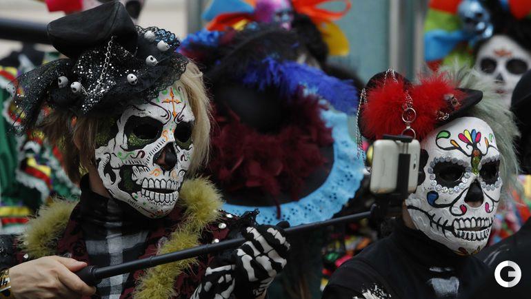"""Сегодня. Москва. Мексиканский карнавал """"День мертвых""""."""