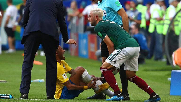 Понедельник. Самара. Бразилия - Мексика - 2:0. НЕЙМАР и Мигель ЛАЮН: что это было? Фото REUTERS