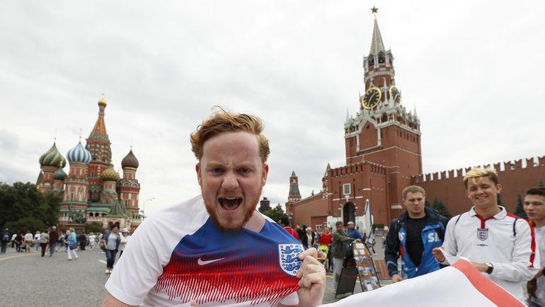 Английский фанат на Красной площади Москвы. Фото Reuters