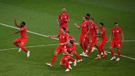 3 июля. Москва. Колумбия - Англия - 1:1, пенальти - 3:4. Игроки английской сборной празднуют победу в матче.