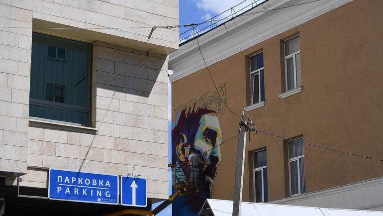 """Графити с изображением Лионеля Месси. Фото """"СЭ"""""""