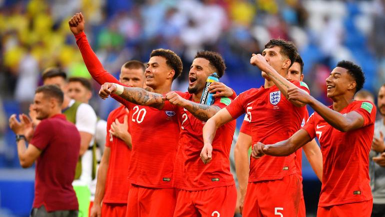 Суббота. Самара. Швеция - Англия - 0:2. Англичане благодарят болельщиков за поддержку. Фото AFP