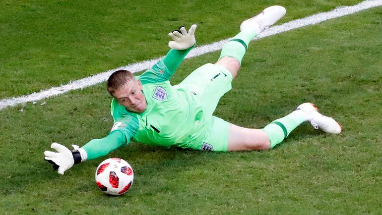 Суббота. Самара. Швеция - Англия - 0:2. Джордан ПИКФОРД. Фото REUTERS