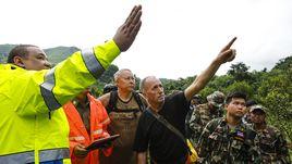 Спасательные работы в Таиланде.