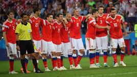 Суббота. Сочи. Россия - Хорватия - 2:2, пенальти - 3:4. Российские футболисты во время пробития послематчевых пенальти.