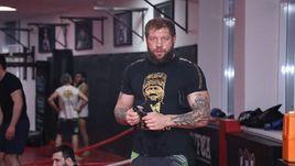 Емельяненко нокаутировал Пешту
