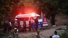 Обошлись без подлодки. Все юные футболисты спасены из пещеры в Таиланде