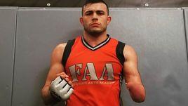 Однорукий воин. Ньюэлл стучится в двери UFC