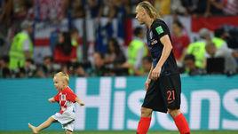 Среда. Москва. Лужники. Хорватия - Англия - 2:1 д.в. Домагой ВИДА с сыном.