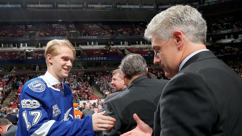 Алексей ЛИПАНОВ на драфте НХЛ-2017. Фото AFP