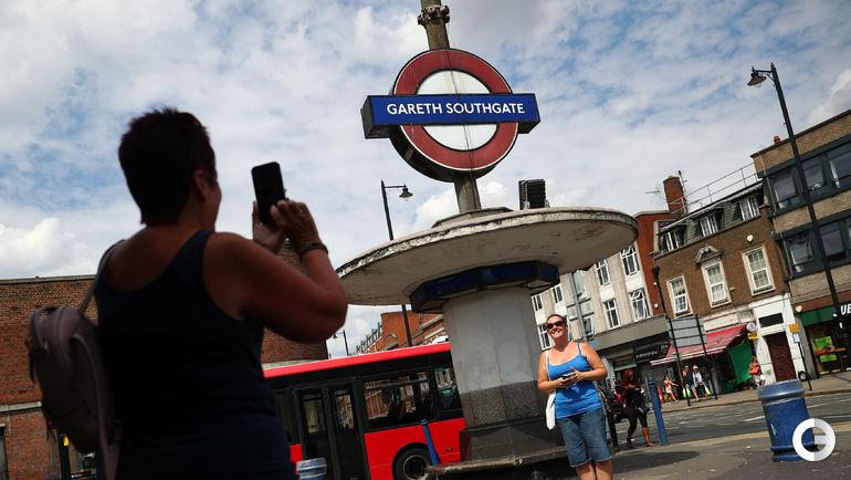 "Станция метро ""Gareth Southgate"" в Лондоне."