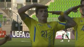 Украинского футболиста травят за