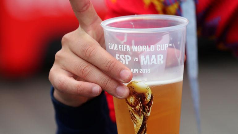Вернется ли пиво на российские стадионы? Фото REUTERS