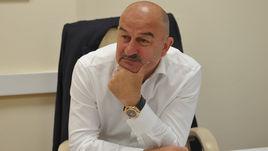 Главный тренер сборной России Станислав ЧЕРЧЕСОВ - претендент на награду Международной федерации футбола.